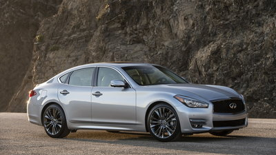 2019 Infiniti Q70 Lineup Doesn T Include Q70 Hybrid Carsdirect