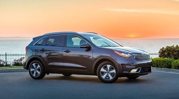 California Hybrid Rebate >> California S Plug In Rebate Program Is Low On Money Again Carsdirect