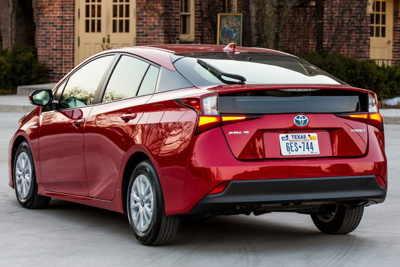 2021 toyota prius to offer 20th anniversary edition