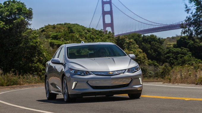 How Long Does A Car Battery Last >> 2019 Chevrolet Volt: Preview, Pricing, Release Date