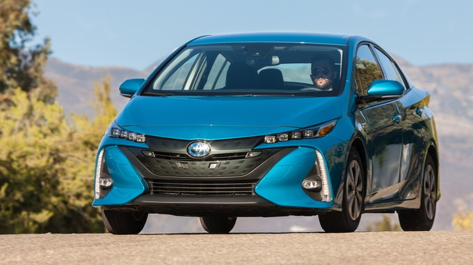 2019 toyota prius prime preview release date. Black Bedroom Furniture Sets. Home Design Ideas