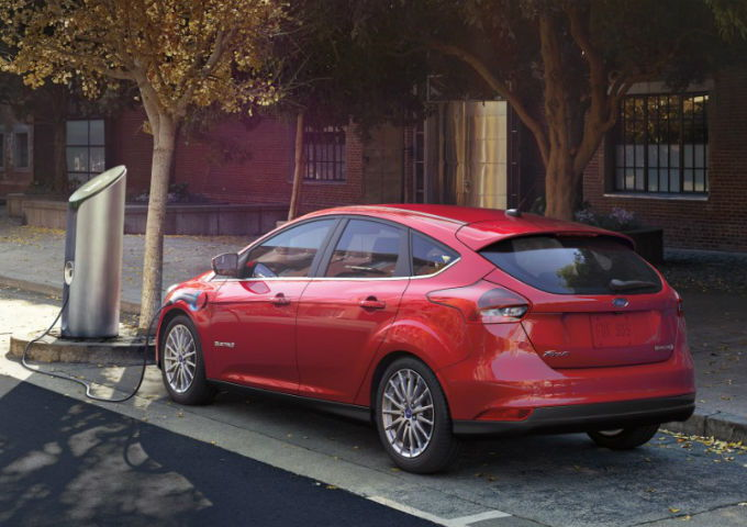 Ford Focus Electric & Best Green Car Deals in October - CarsDirect markmcfarlin.com