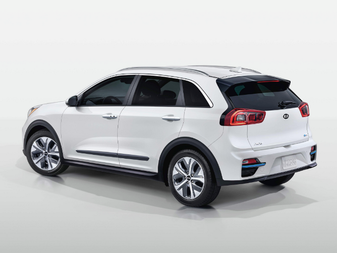 Under Its Skin The Kia Niro Ev Will Share Running Bits With 2020 Soul And 2019 Hyundai Kona Electric This Crossover Boast An