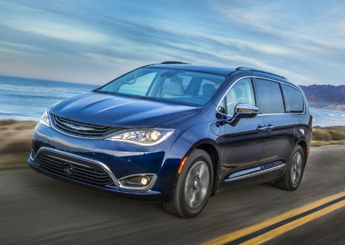 best minivans for 2018 carsdirect. Black Bedroom Furniture Sets. Home Design Ideas