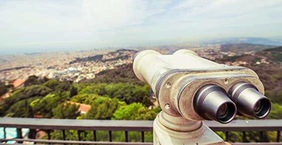 Image of binoculars.