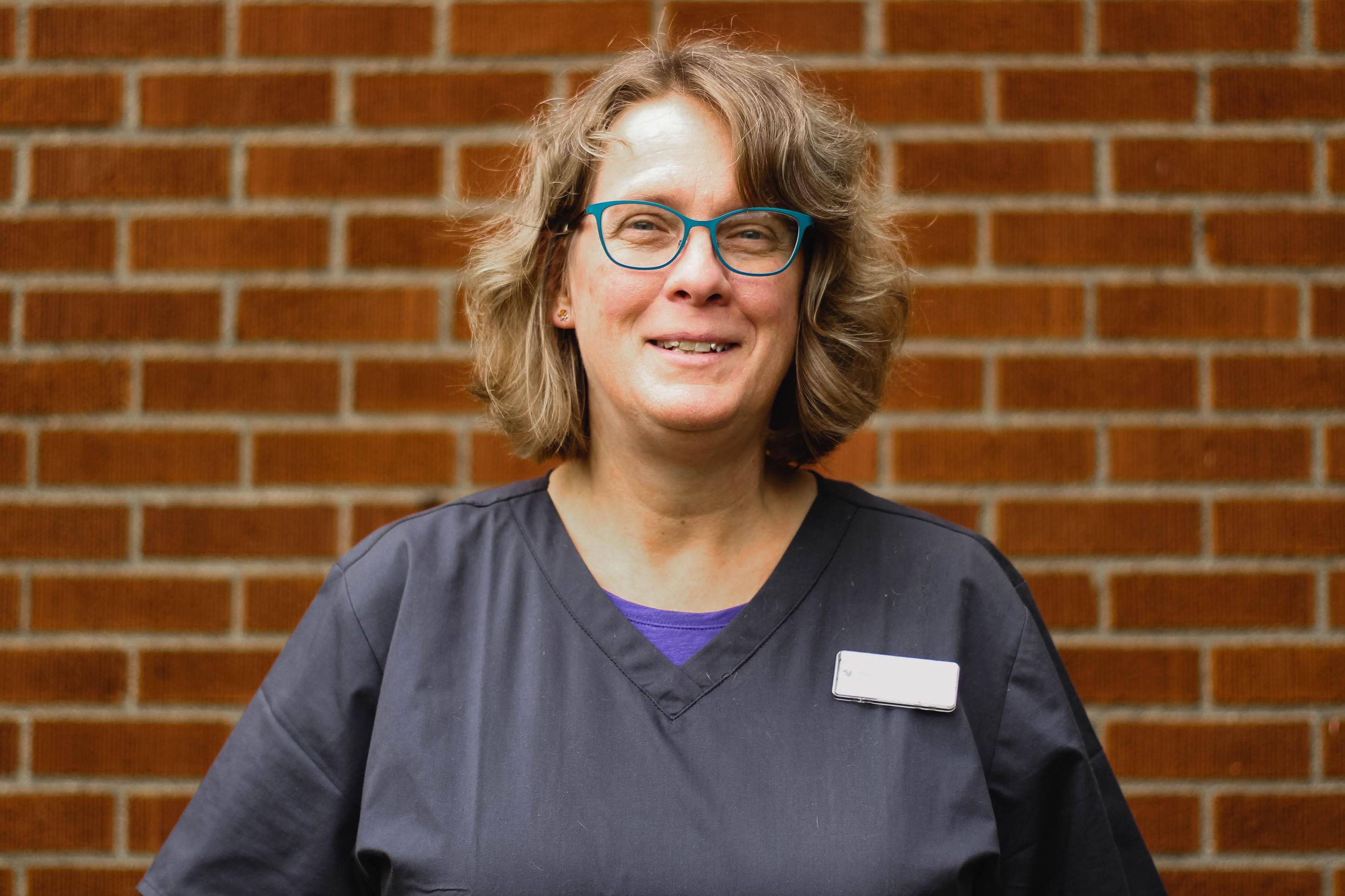 Julia, Vet Assistant