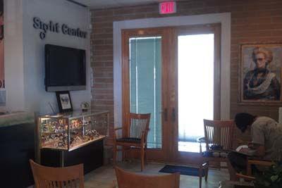 Waiting area for Eye Doctor - Eyeglasses Pensacola
