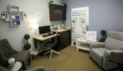 lipiflow treatment room