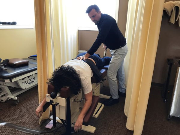 Chiropractor Traction Table
