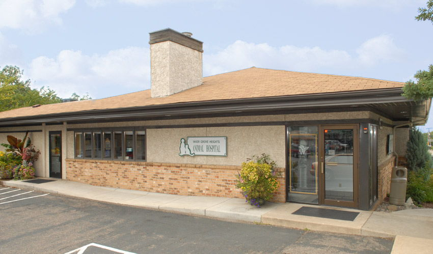 Inver Grove Heights Animal Hospital exterior with sun.
